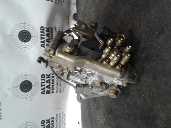 Used Nissan Patrol Mechanical fuel pump - 167C0Y810 RD28