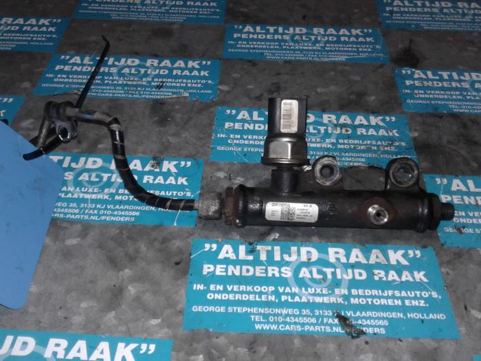 Used Jaguar S-Type Fuel injector nozzle - 5WS40128 276DT