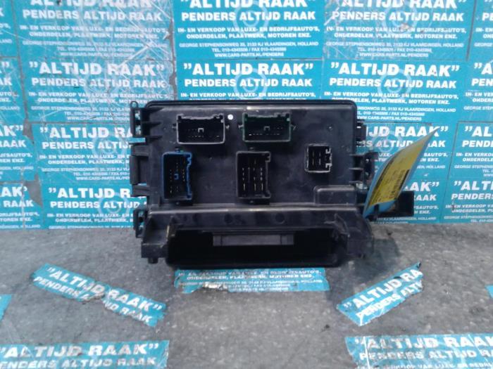 Used Chrysler 300 C Fuse box - 16238AC -