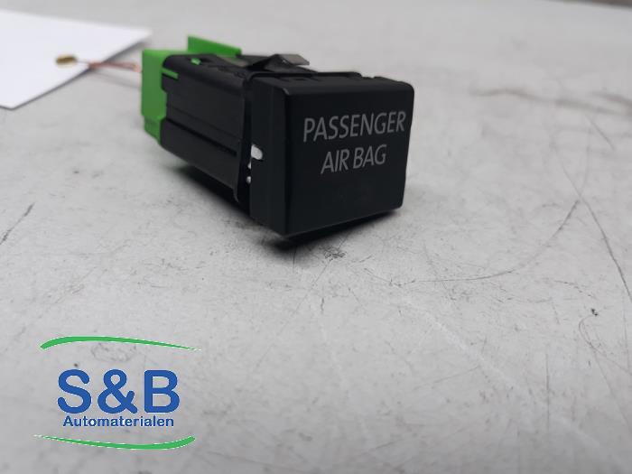 Airbag commutateur d'un Volkswagen Transporter T6 2.0 TDI 204 2017