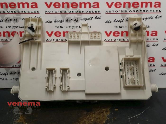 fuse box from a volvo v50 (mw) 2 0 d 16v 2007