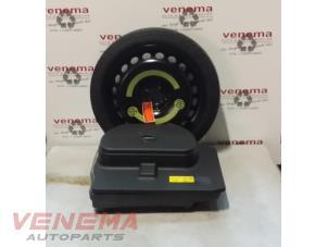 used audi a4 2 0 tdi 16v jackkit spare wheel 419004 steel venema auto 39 s onderdelen. Black Bedroom Furniture Sets. Home Design Ideas