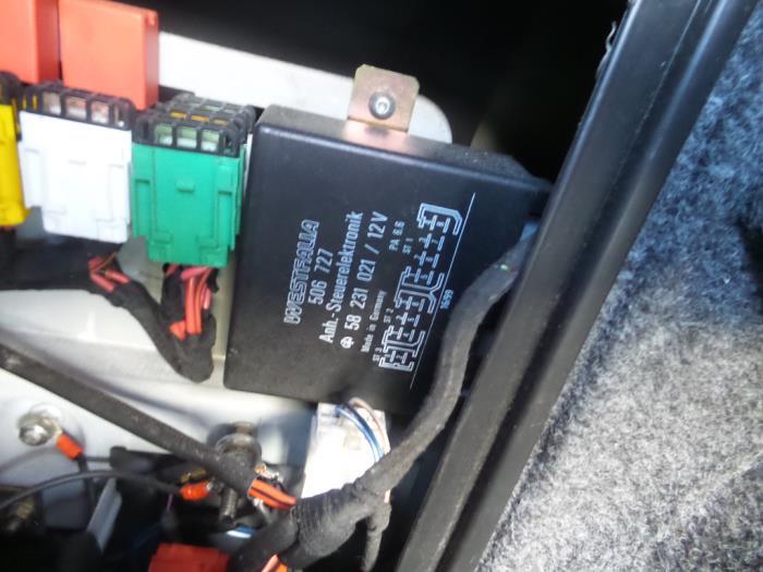 fuse box from a alfa romeo 166 2 4 jtd 2002