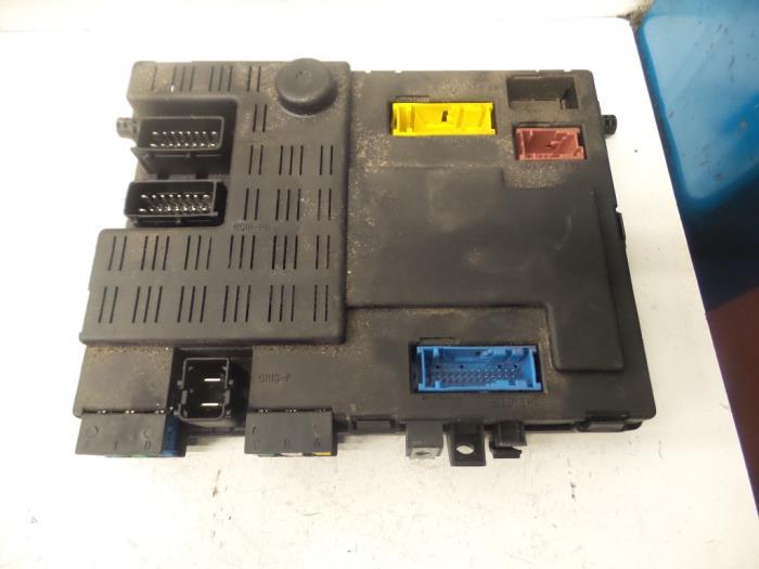 fuse box on a citroen xsara picasso used citroen xsara picasso  ch  1 8 16v fuse box 9642409480  used citroen xsara picasso  ch  1 8 16v