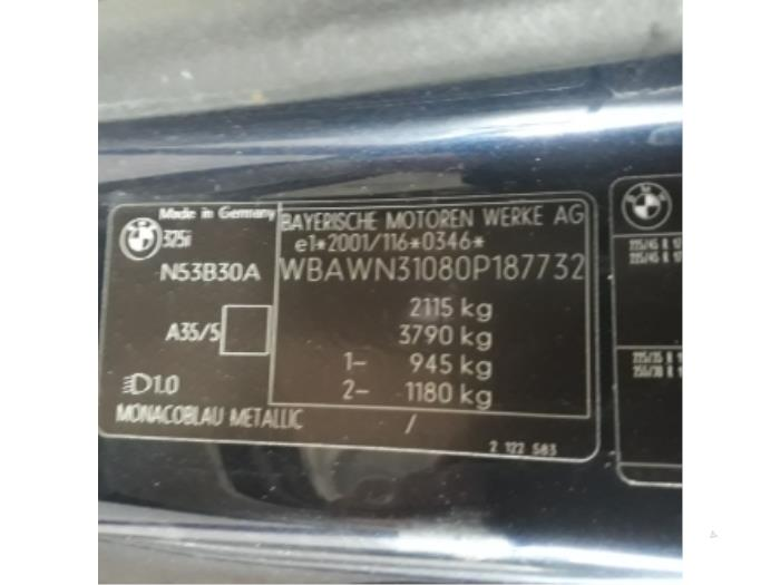 Türgummi 2-türig links van een BMW 3 serie (E93) 325i 24V 2010