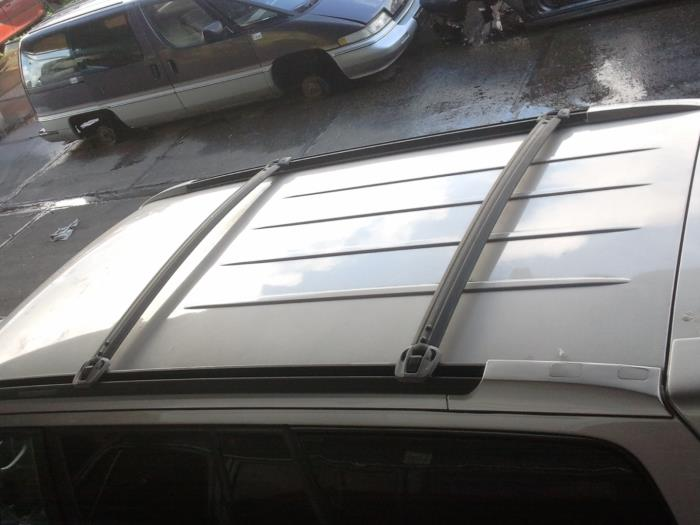 ... Roof Rack Kit From A Hyundai Terracan 2.9 CRDi 16V 2005 ...