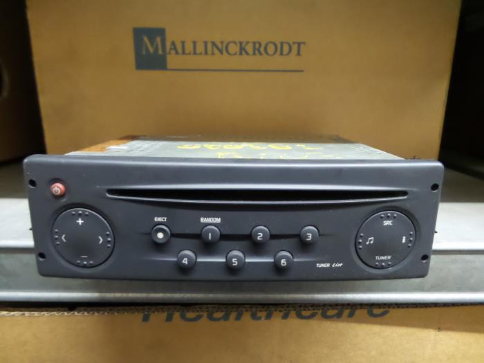 Used Renault Clio II (BB/CB/SB) 1 4 Radio CD player