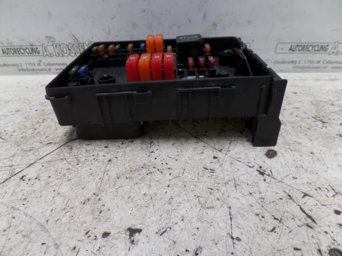 3 used volkswagen touran fuse box 1k0937814f autorecycling n kossen touran 2006 fuse box at webbmarketing.co