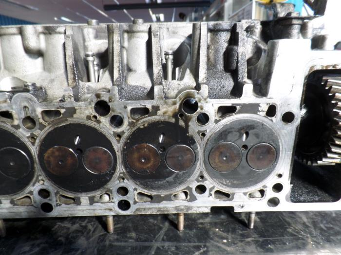 used volkswagen transporter t5 2.5 tdi cylinder head - r070103373a