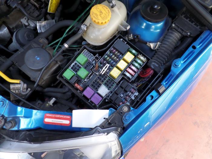 used opel tigra fuse box 13142780 autorecycling n kossen bv  vauxhall tigra fuse box location #15