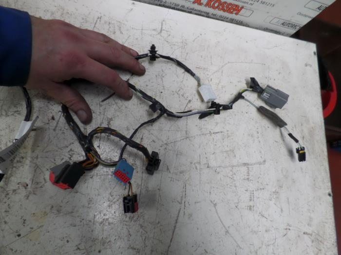 wiring harness from a ford focus (used)
