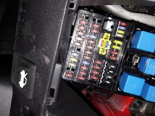 hyundai i10 fuse box location used hyundai i10 fuse box - autorecycling n kossen ...