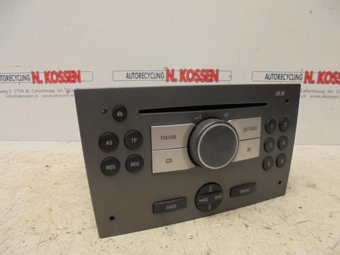 gebrauchte opel tigra radio cd spieler 13190853mb. Black Bedroom Furniture Sets. Home Design Ideas