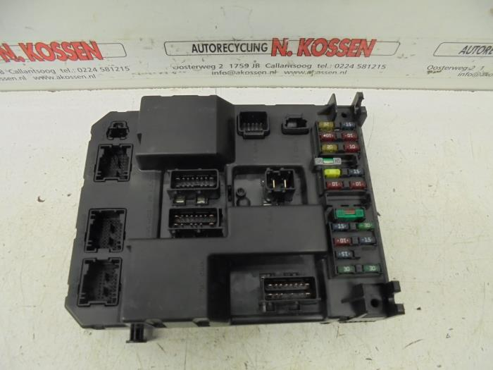 used peugeot 307 sw 3h 2 0 hdi 90 fuse box bsij0300. Black Bedroom Furniture Sets. Home Design Ideas