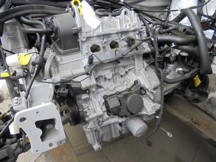 Used Volkswagen UP Water pump - 04C121121C - Autorecycling N