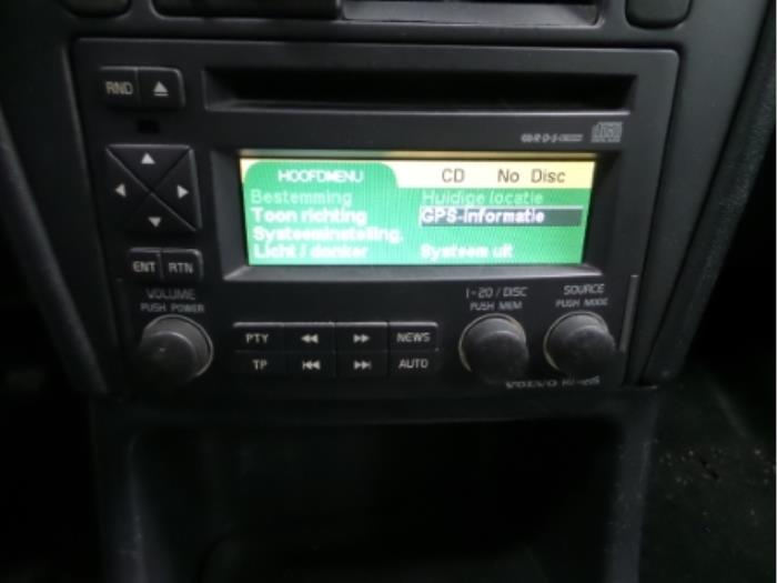 Used Volvo S40/V40 Radio CD player - P30623157