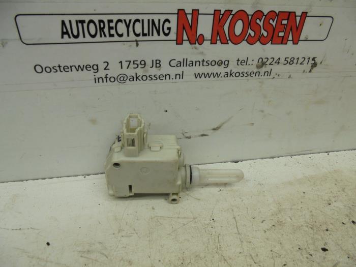 Usag opel meriva 1 6 16v moteur verrouillage centrale des - Moteur de verrouillage de porte de voiture ...