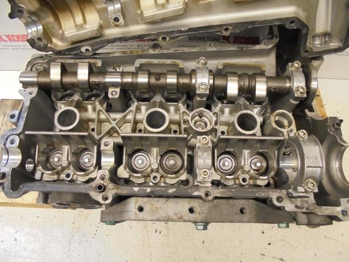 Used Porsche 911 Cylinder head - 9961041736R M9603 - Autorecycling N