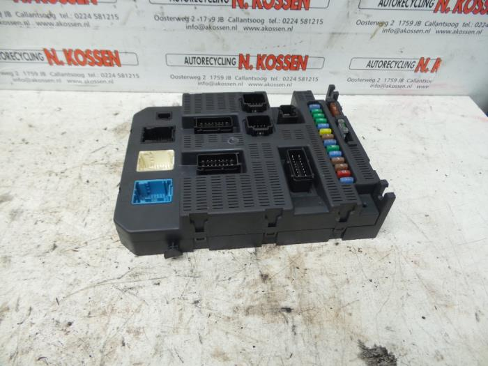used fiat scudo (270) 1 6 d multijet fuse box 9663798380 Volkswagen T5 Van fuse box from a fiat scudo (270) 1 6 d multijet 2009