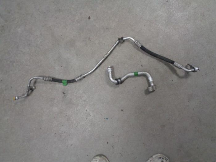 Air conditioning line from a Mercedes Viano (639) 2.0 CDI 16V 2005