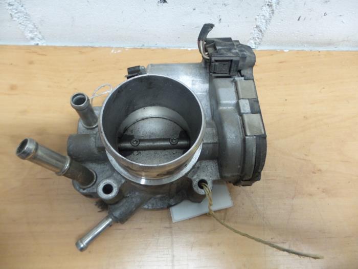 Used Kia Cee'D Throttle body - 351002B150 G4FA - Geerts
