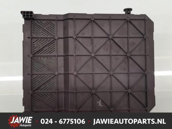 used peugeot 206 cc (2d) 2 0 16v fuse box 9645747480 jawie Chevrolet Cruze Fuse Box fuse box from a peugeot 206 cc (2d) 2 0 16v 2001