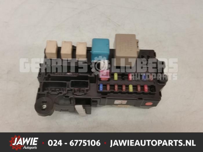 used daihatsu sirion 2 m3 1 3 16v dvvt fuse box 85980b1010 rh proxyparts com