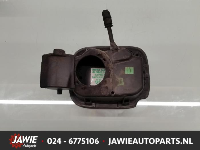 used renault clio iii (br/cr) 1.4 16v tank cap cover color code
