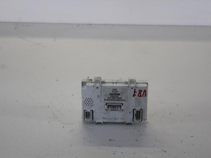 used opel agila b 1 2 16v fuse box 3677051k40 gebr opdam b v rh proxyparts com opel meriva fuse box opel astra fuse box 2002