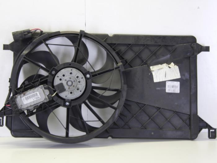 gebrauchte ford focus ii wagon 1 8 16v k hlgebl se motor. Black Bedroom Furniture Sets. Home Design Ideas