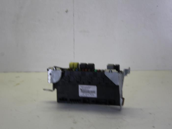Used Mercedes E (W211) 2.2 E-220 CDI 16V Fuse box - 2115453401 ... on