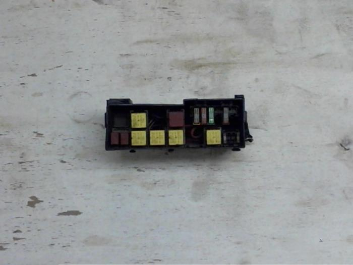 0707a053-3d89-4793-855f-1a44bf04a098 Where Is Fuse Box On Renault Master on