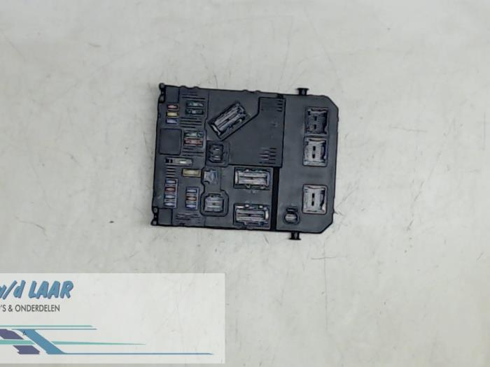 fuse box from a peugeot 206 2005