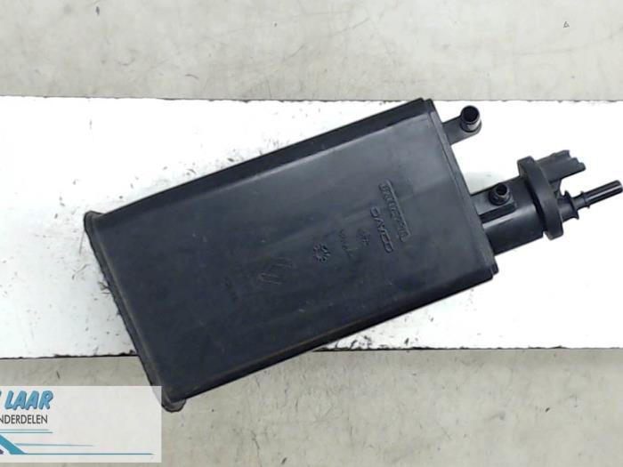 gebrauchte dacia sandero kohlenstofffilter 8200701972. Black Bedroom Furniture Sets. Home Design Ideas