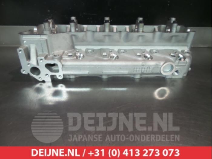 New Mitsubishi Canter Cylinder head - 908514 4M40 - V Deijne Jap
