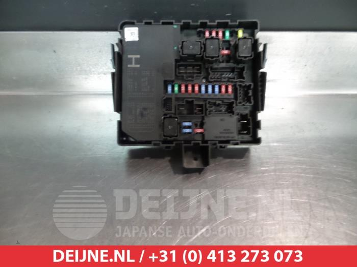 used nissan navara (d23) 2 5 dci 16v 4x4 fuse box 284b7eb03c v Datsun Fuse Box fuse box from a nissan navara (navara d40 05 ) (used)