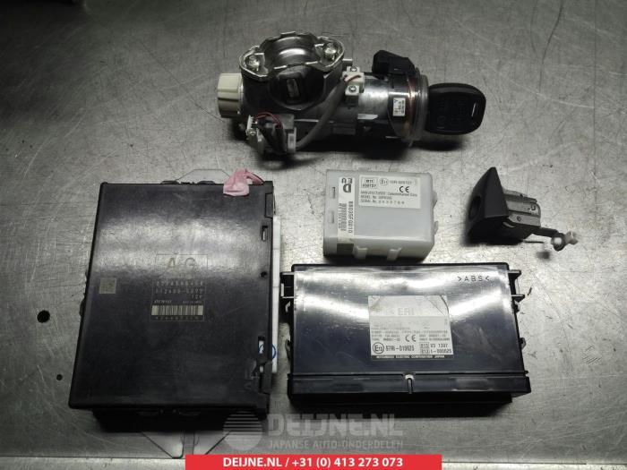 Used Subaru Forester Engine management computer - 22765AB460