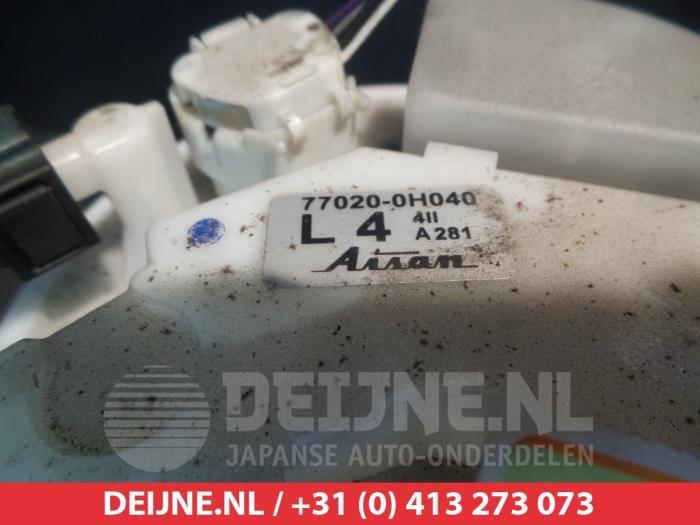 Used Toyota Aygo Electric fuel pump - 770200H040 1KRFE - V Deijne