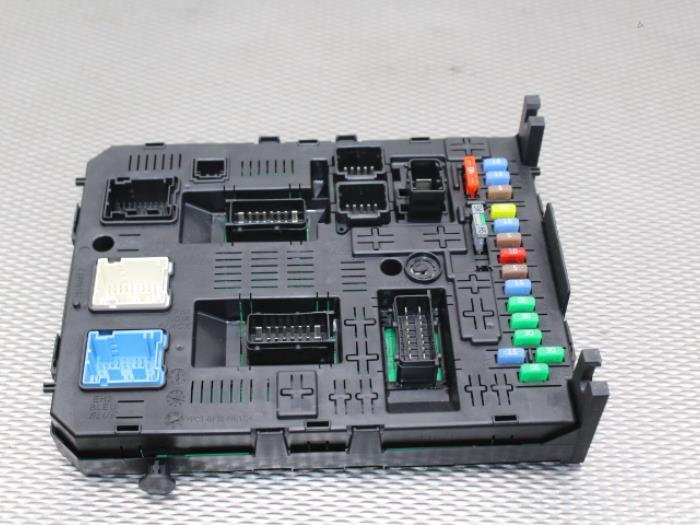 fuse box from a peugeot expert (g9) 1 6 hdi 90 2012