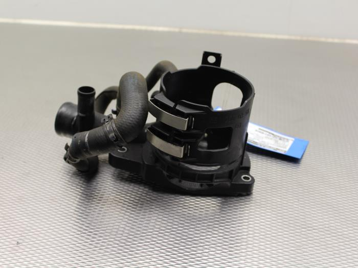usag mercedes sprinter 313 cdi 16v bo tier de filtre carburant a6512000356. Black Bedroom Furniture Sets. Home Design Ideas