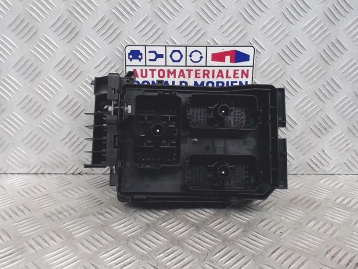 astra 2016 fuse box