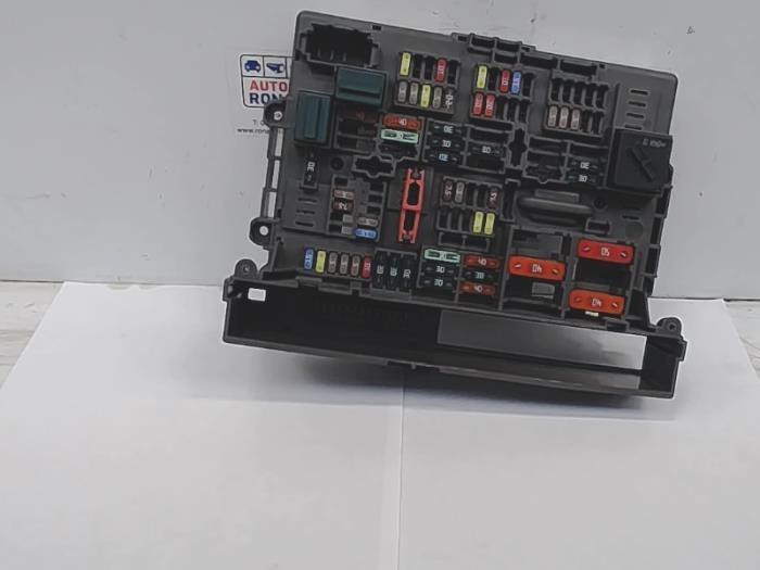 used bmw 3 serie touring (e91) 318i 16v fuse box 61149119444 BMW 328I Fuse Box Diagram fuse box from a bmw 3 serie touring (e91) 318i 16v 2010