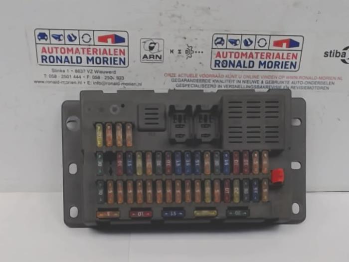 2005 mini cooper s fuse box used mini mini cooper s  r53  1 6 16v fuse box 6906626  mini cooper s  r53  1 6 16v fuse box