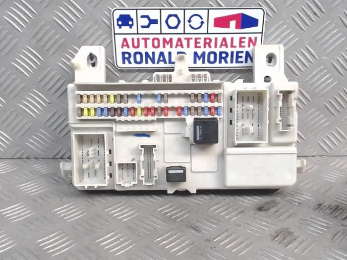 fuse box from a volvo c30 2010