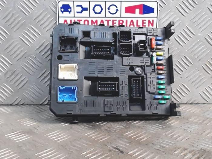 used opel agila fuse box 1609999180 automaterialen ronald morien rh proxyparts com opel astra h fuse box opel astra h fuse box location