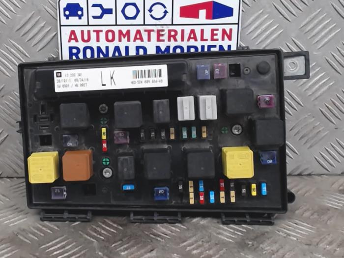 used opel astra fuse box 93194876 automaterialen. Black Bedroom Furniture Sets. Home Design Ideas