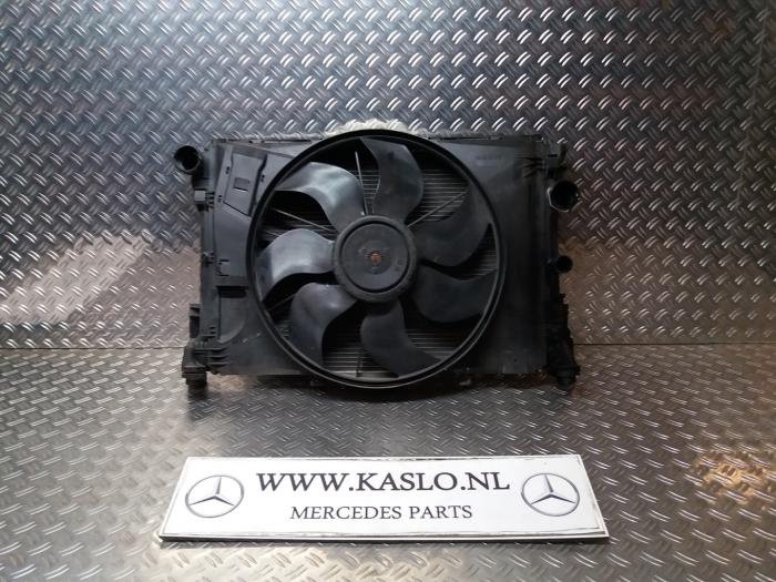 Used Mercedes C (W204) 1 6 C-180K 16V BlueEfficiency Radiator fan