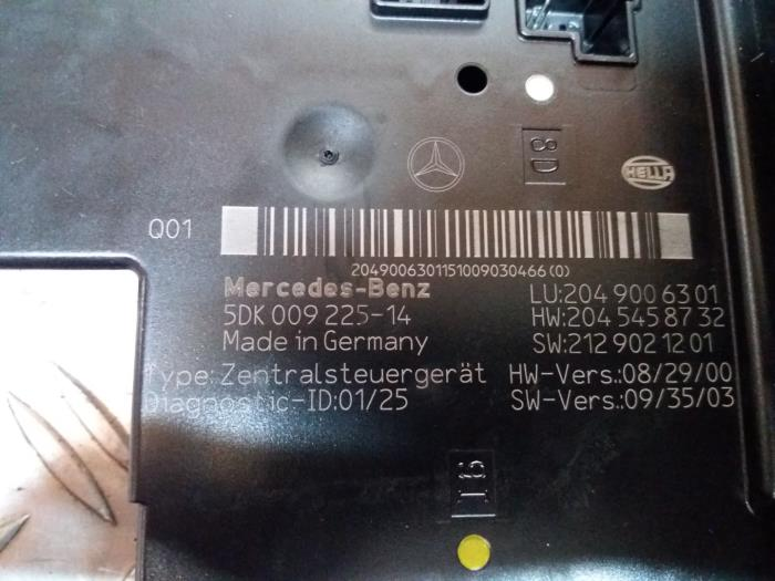 fuse box from a mercedes c (w204) 1 8 c-180 cgi 16v 2012