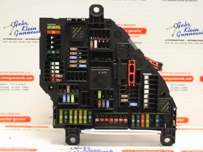 Used BMW X3 (F25) xDrive20d 16V Fuse box - 9210860 - Gebr.Klein ...