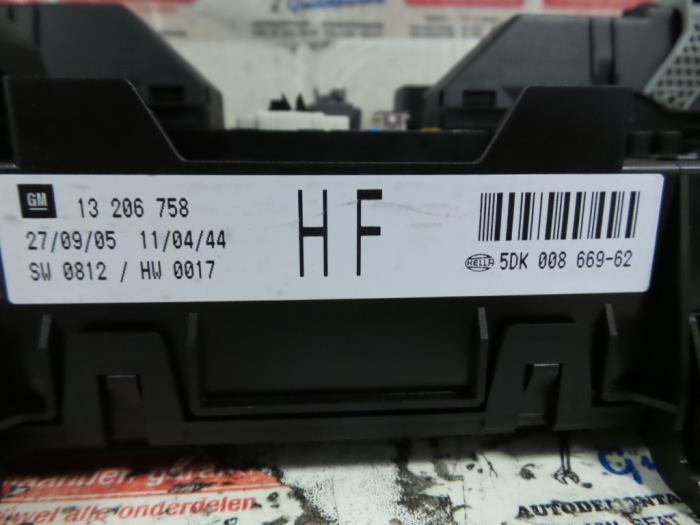 fuse box from a opel astra 2005